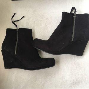 XAppeal Black Size 9 Zip Wedge Booties